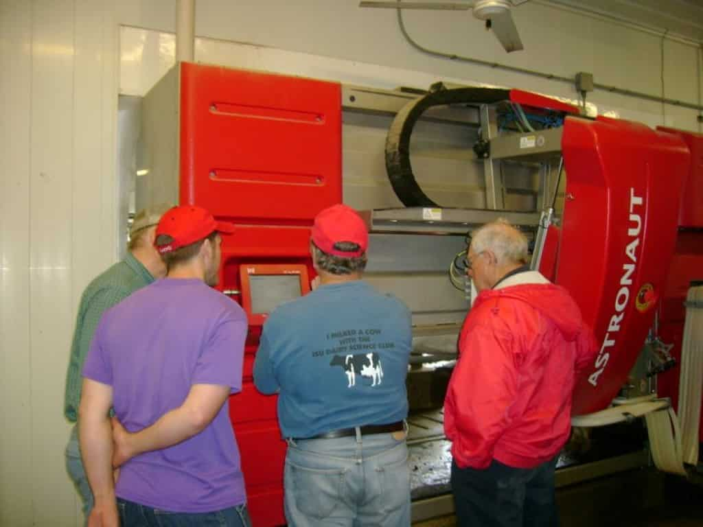 Touring Lely Robots
