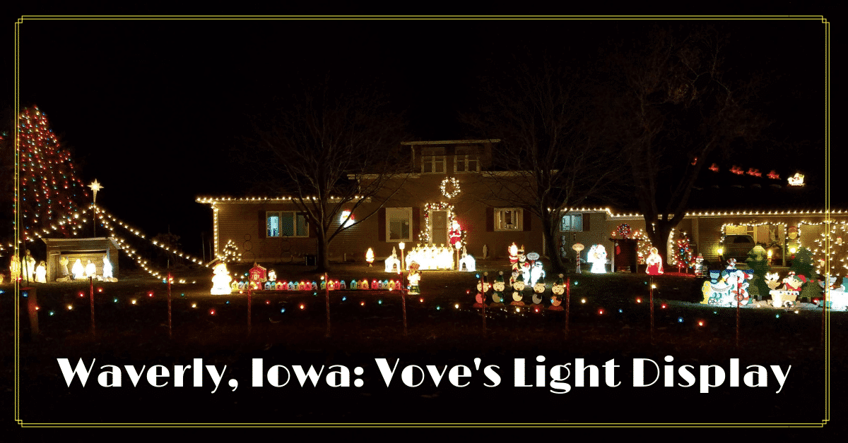 House decorated with Christmas Lights & Displays